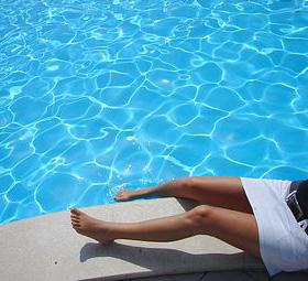 agua de piscina cristalina