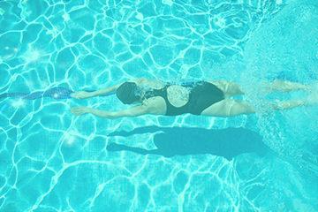 agua-turbia-piscina