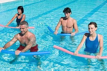 ejercicio y gimnasia en agua